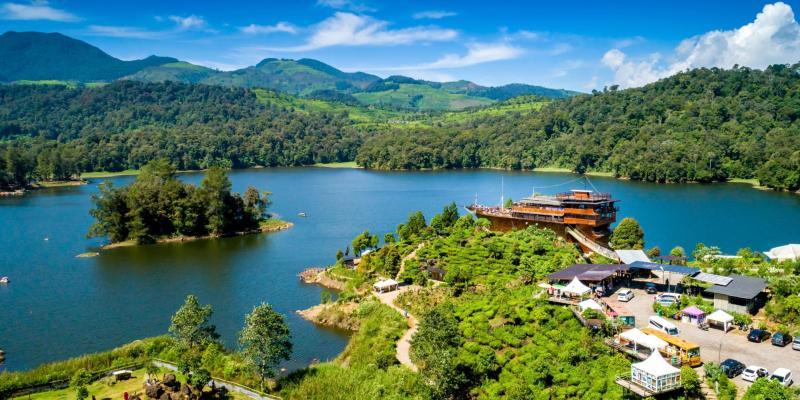 15 Best Places to Visit in Bandung, Indonesia